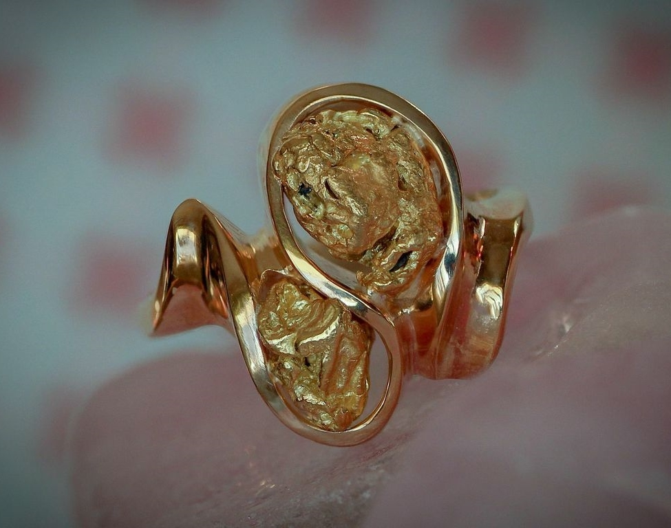 Natural Alaskan Gold Nugget Ring in 14Kt yellow gold.