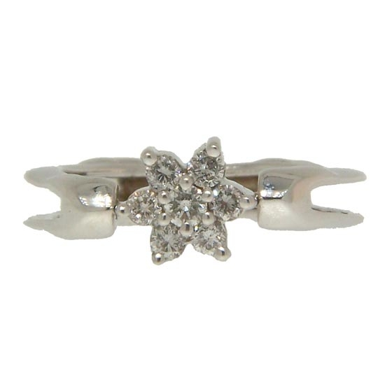 Elegance and dazzle are the feel in this Diamond ring with 5 Diamonds equaling .25 carats in 18kt White Gold.