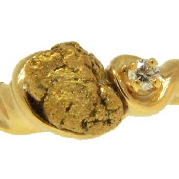 Alaskan Gold Nugget and Diamond in Yellow Gold Ring