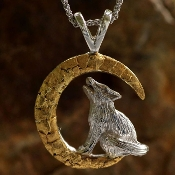 Alaskan Gold Nugget Howling Wolf Pendant