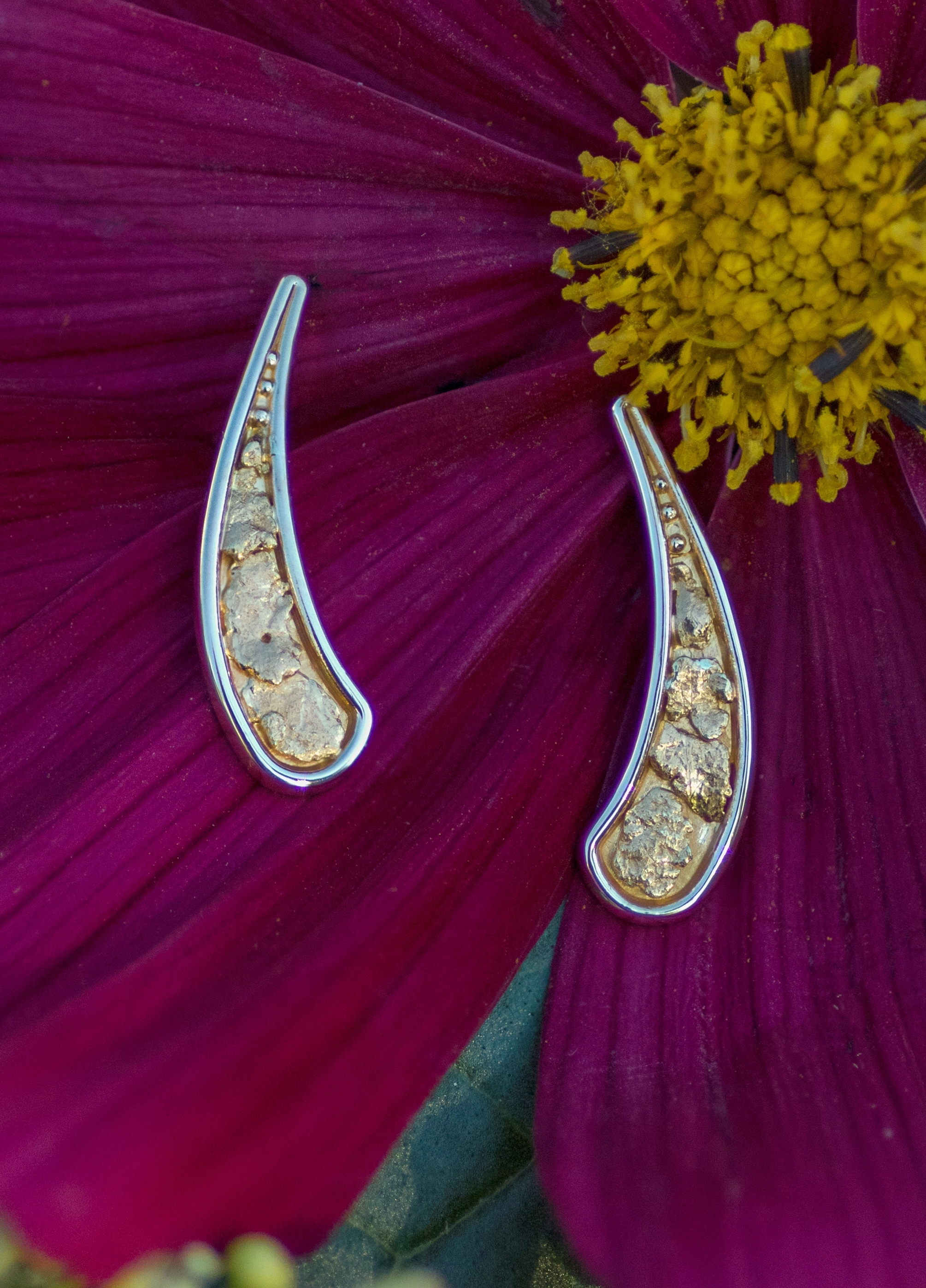 Impressive collection of gorgeous Gold Nuggets poshly arranged in earrings of vibrant 14kt Yellow Gold.
