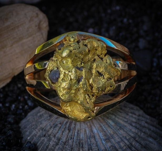 Custom Alaskan Gold Nugget in 14kt Yellow Gold.