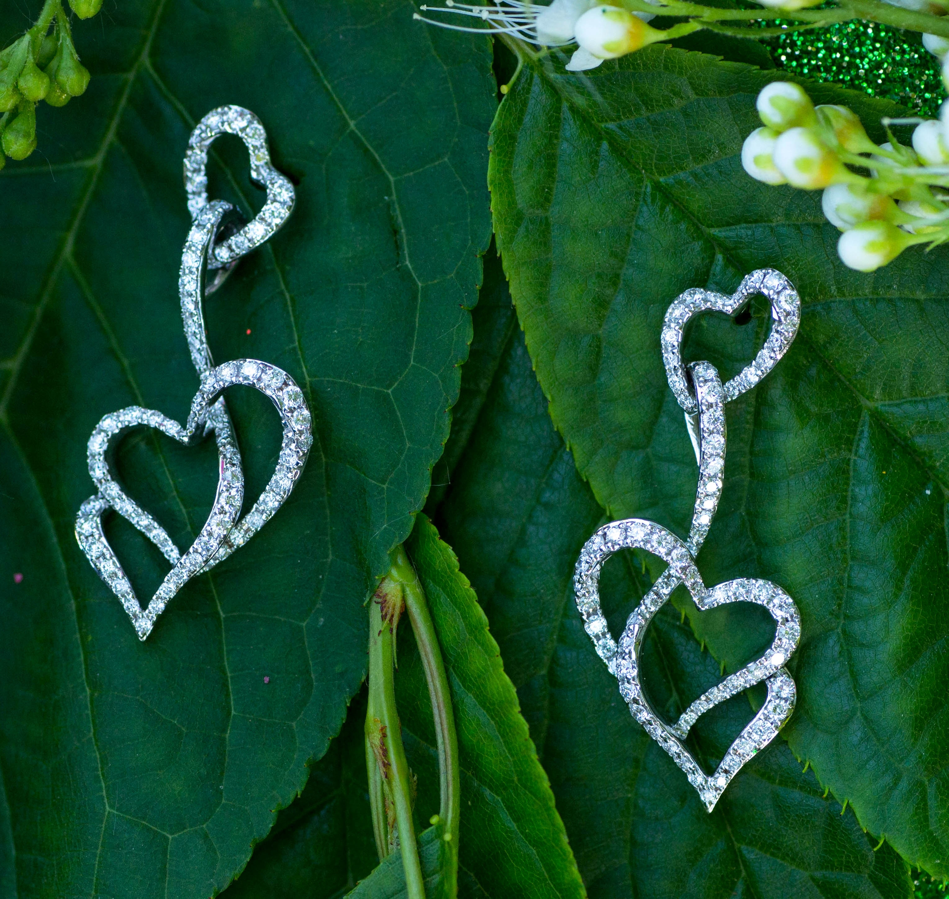 Stunning earrings in 18Kt White Gold with Diamonds