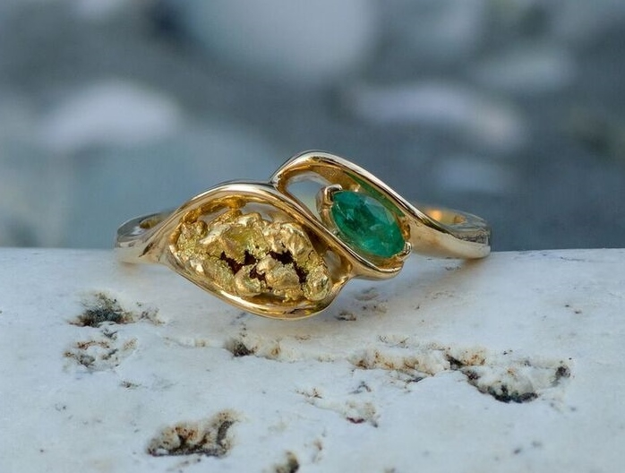 Alaskan Gold Nugget and Emerald Twist Ring