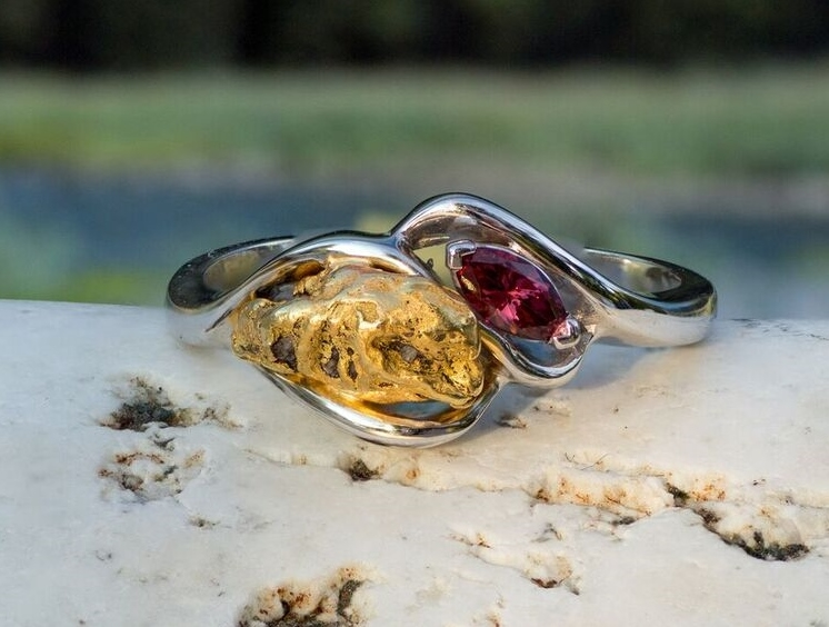 Natural Alaskan Gold Nugget and Rhodolite Garnet Party Twist Ring