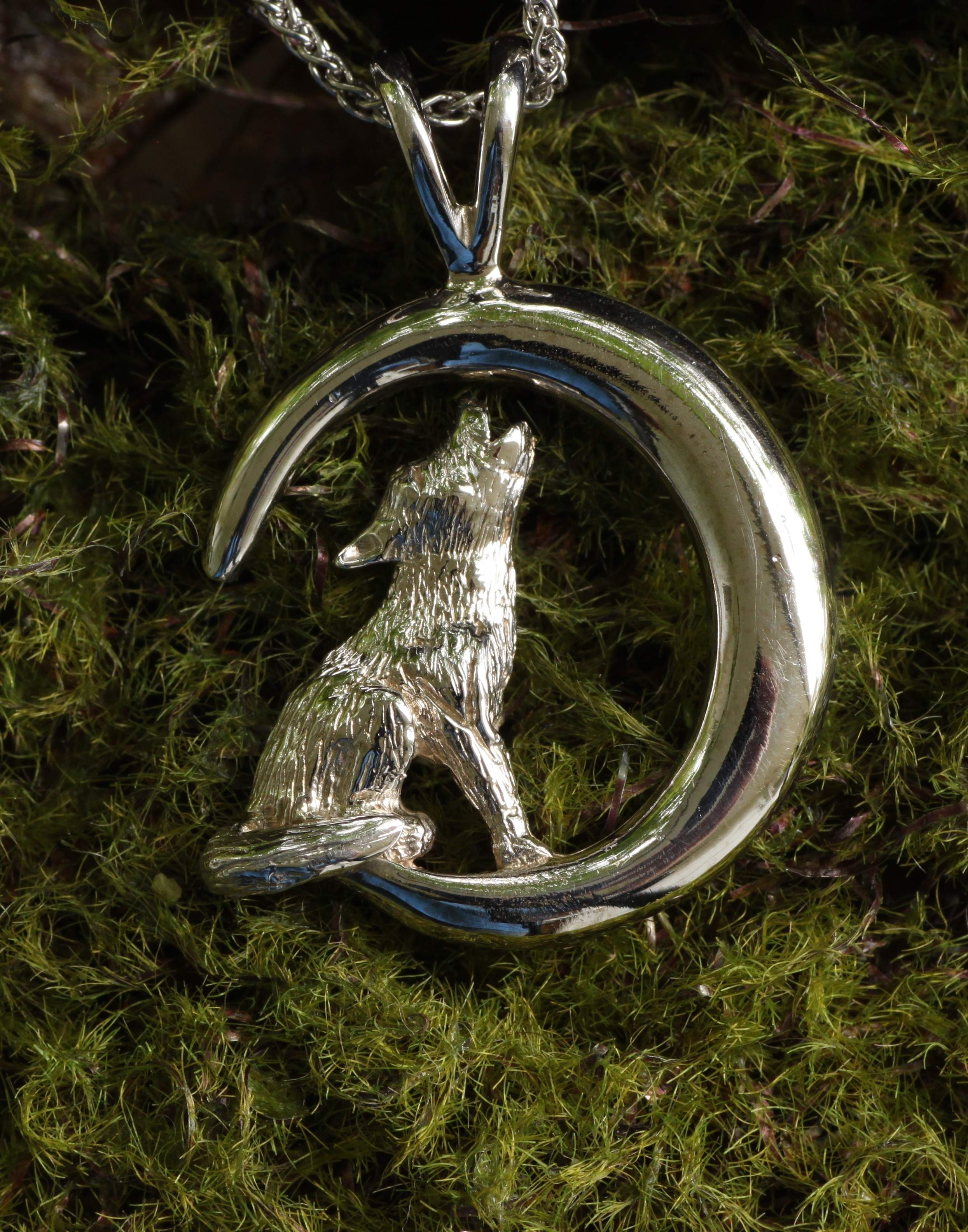 Wild Alaska Howling Wolf Pendant Crafted in 14kt White Gold