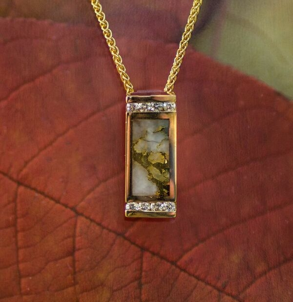 Gold Quartz Diamonds Pendant in Yellow Gold