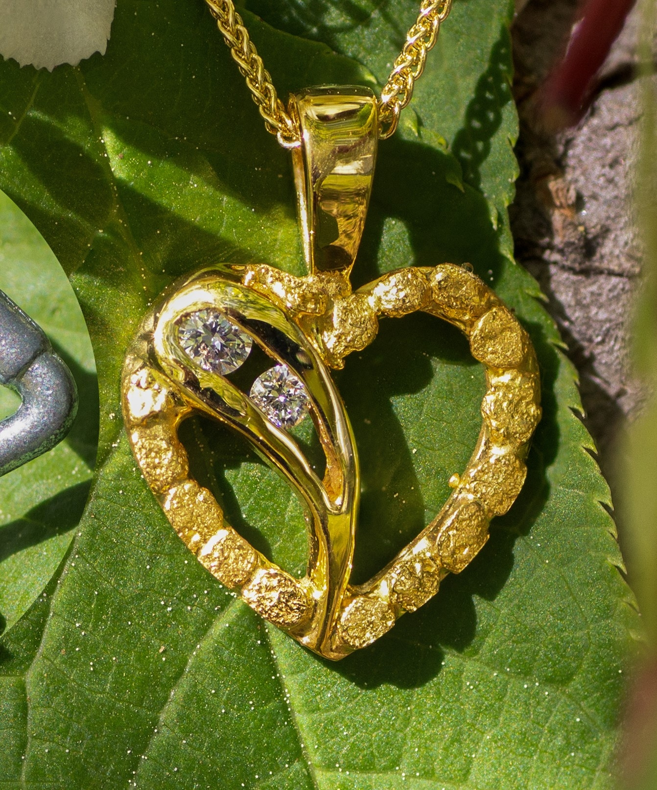 Beautiful natural Gold Nuggets and Diamonds in 14kt Gold Heart Pendant